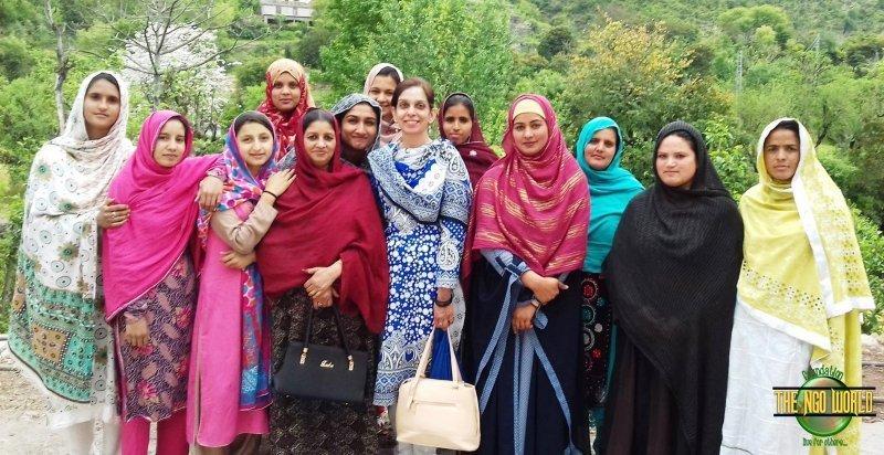 Rugs making Training at RIDA Center Shahdra Islamabad 20- The NGO World Foundation