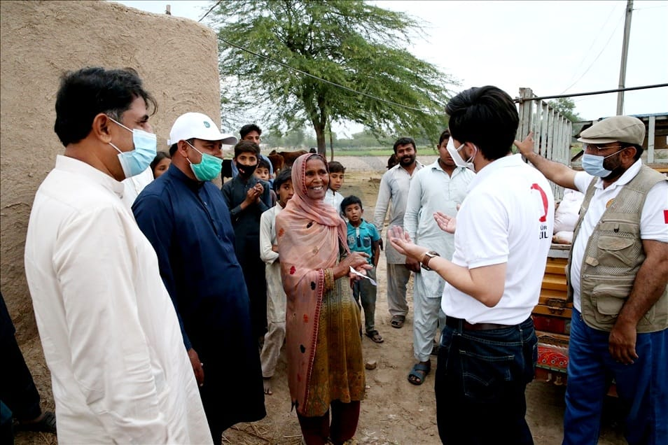 200 Poor Families of Jhang Recivied Food Packs- The NGO World Foundation