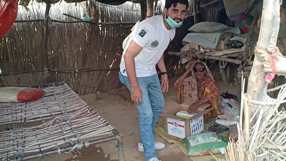 500 Food Packs Delivered in Slums of Karachi- The NGO World Foundation